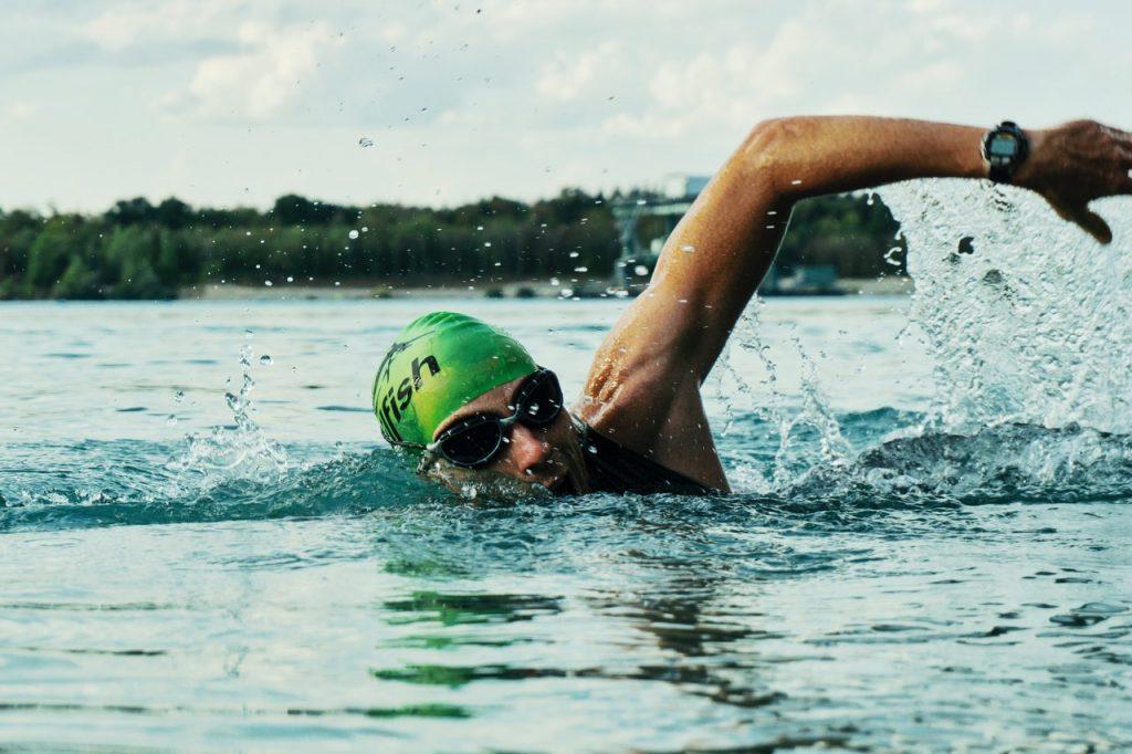 Conhecendo as melhores atividades físicas para ser mais saudável (Foto de mali maeder no Pexels)