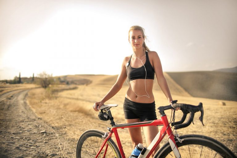 Como o ciclismo pode torná-lo um corredor mais rápido (Foto de Andrea Piacquadio no Pexels)